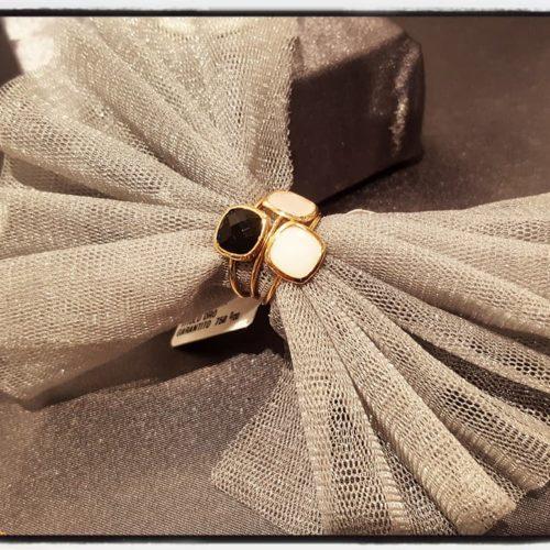Anelli oro giallo e pietre colore