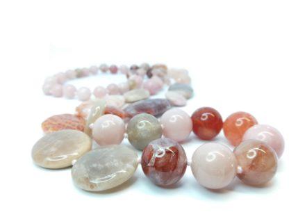 Collana in pietre dure pietra di luna e opale Della Rovere Gioielli