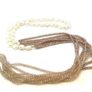 Collana di perle di acqua dolce e cristalli